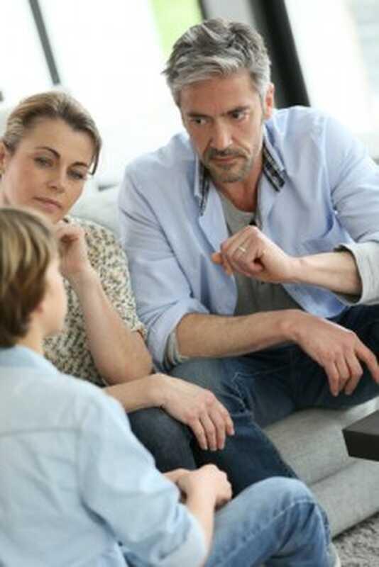 Πρέπει τα παιδιά μας να μας ακούν;