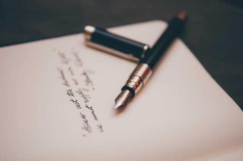 Cum să folosiți scrisul pentru a vă ajuta să vă dezvoltați și să câștigați conștiința de sine