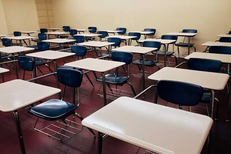 Porozumění spojení mezi návratem do školy a úzkostí dospívajících