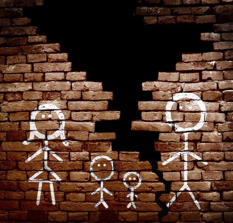 Когато тийнейджърката си с другия родител след развода