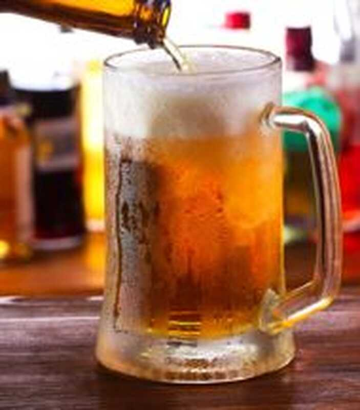 Бира, гатарада и допамин: как работи алкохолният мозък