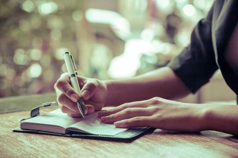 7 různých způsobů, jak žurnál pomáhat vytvářet, odrážet a zkoumat