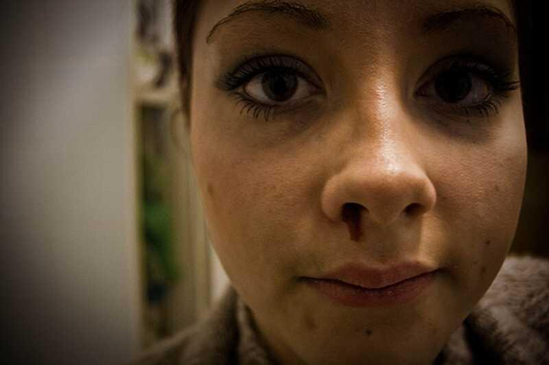 9 tecken på traumatisk bindning: bunden till missbrukaren