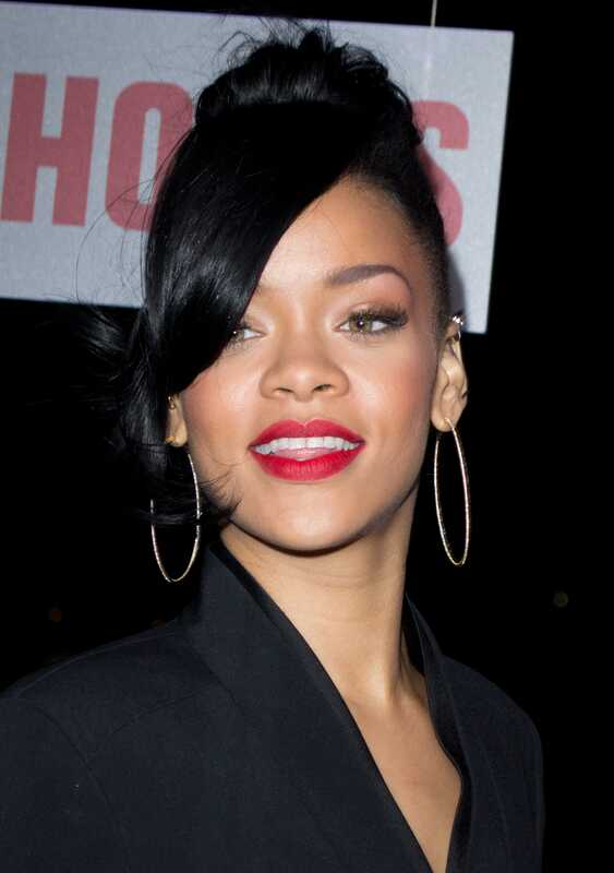 Rihanna s-ar putea îndrepta să iubească dezintoxicarea