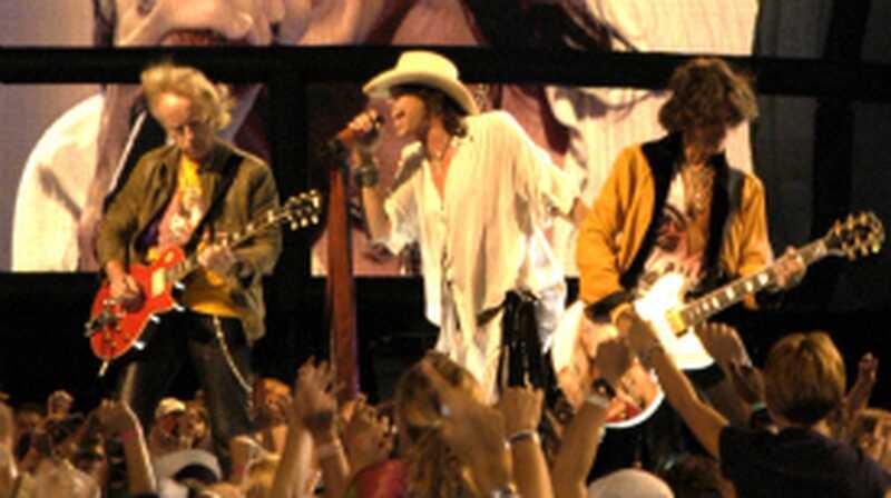 Steven Tyler beendet Reha, Band kündigt Sommertour an