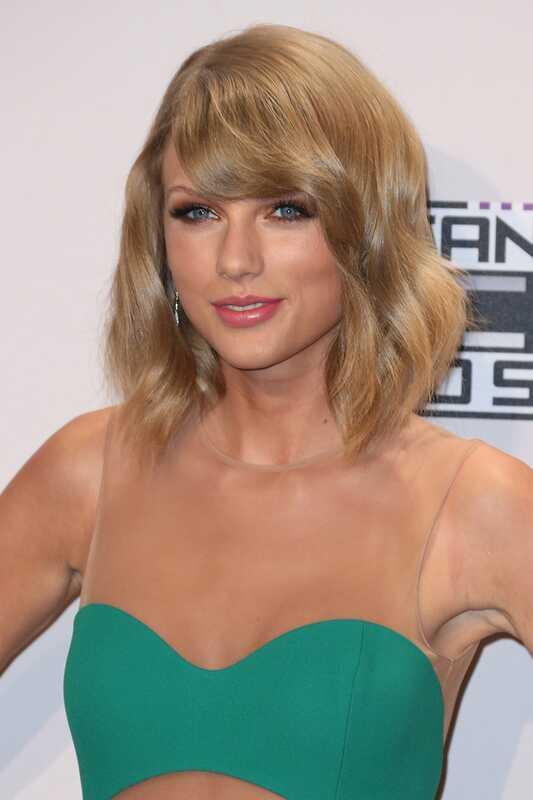 Taylor Swift vorbește despre cea mai rea frică în timp ce îi aranjează fanii