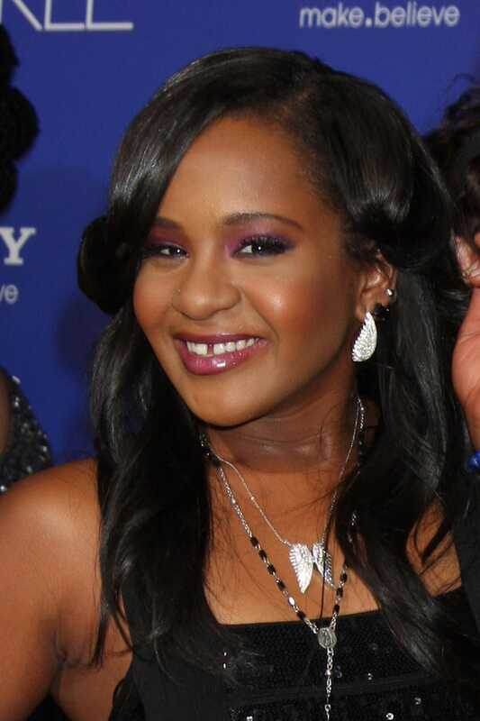 La filla de Whitney Houston, filla de Bobby Kristina Brown, va morir