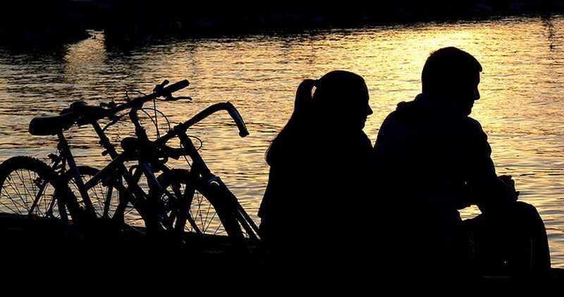 Jak říci emoční zanedbání z emočního zneužívání ve vztahu