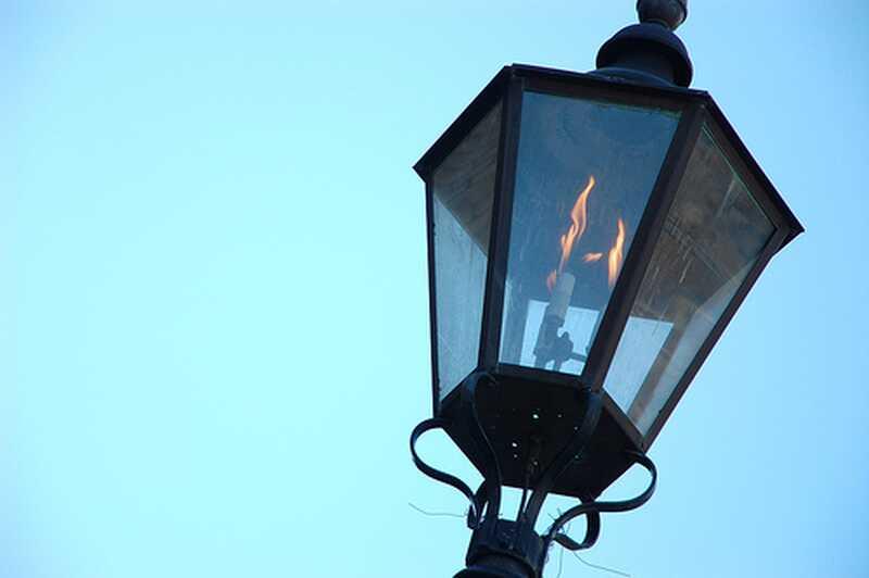Бяхте ли родени под газовото осветление?