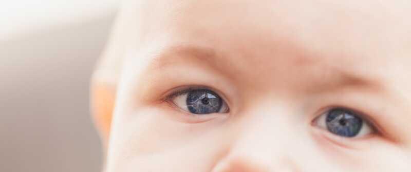 Unloved στην παιδική ηλικία: 10 κοινά αποτελέσματα στον ενήλικο εαυτό σας