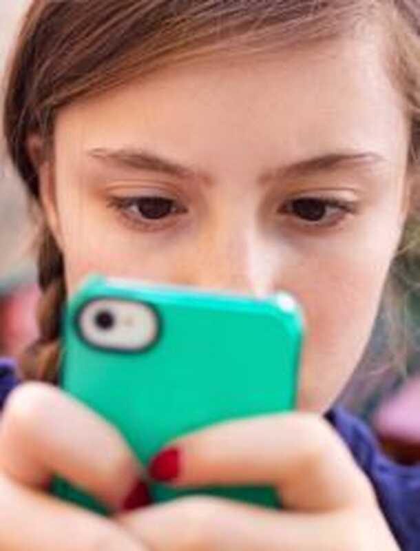3 τρόποι για τους ενήλικες και τους εφήβους να χρησιμοποιούν την προσοχή στην τεχνολογική εποχή