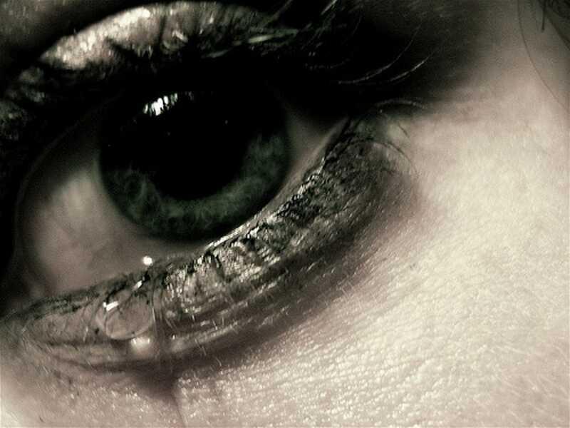 Proč je hněv v pořádku, ale slzy odmítají jako emoce?