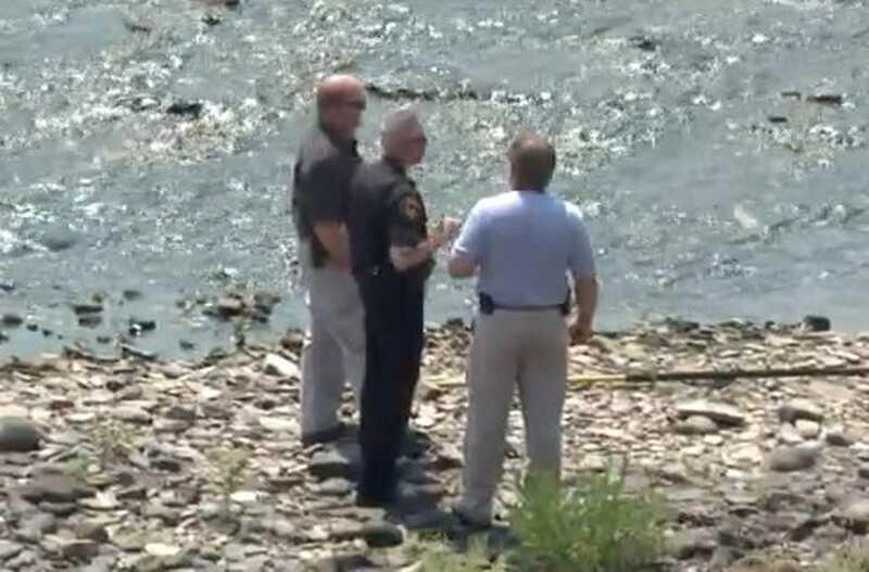 Tělo nalezené v řece: proč je tento novinový příběh, který mě rozesmál?