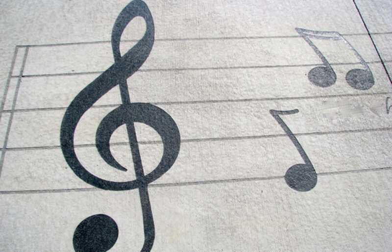 Може ли музика да предложи надежда за справяне с депресията? Зависи