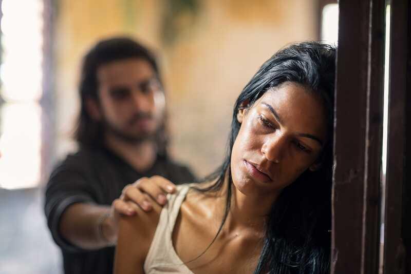 8 varovných značek pro tiché domácí oběti zneužívání